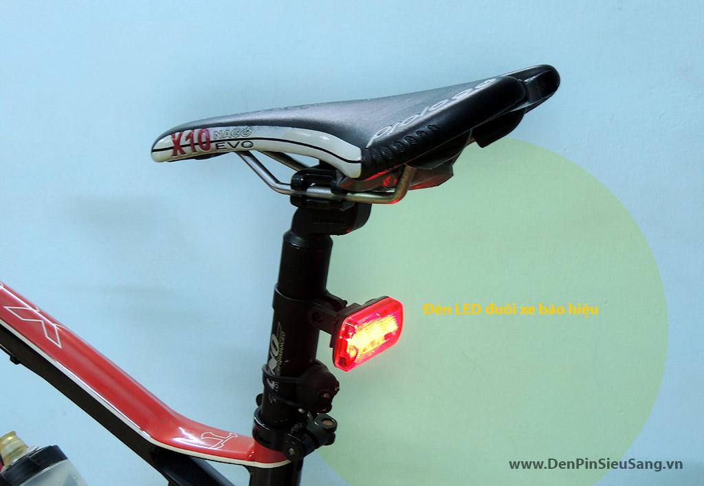 Đèn LED báo hiệu đuôi xe đạp