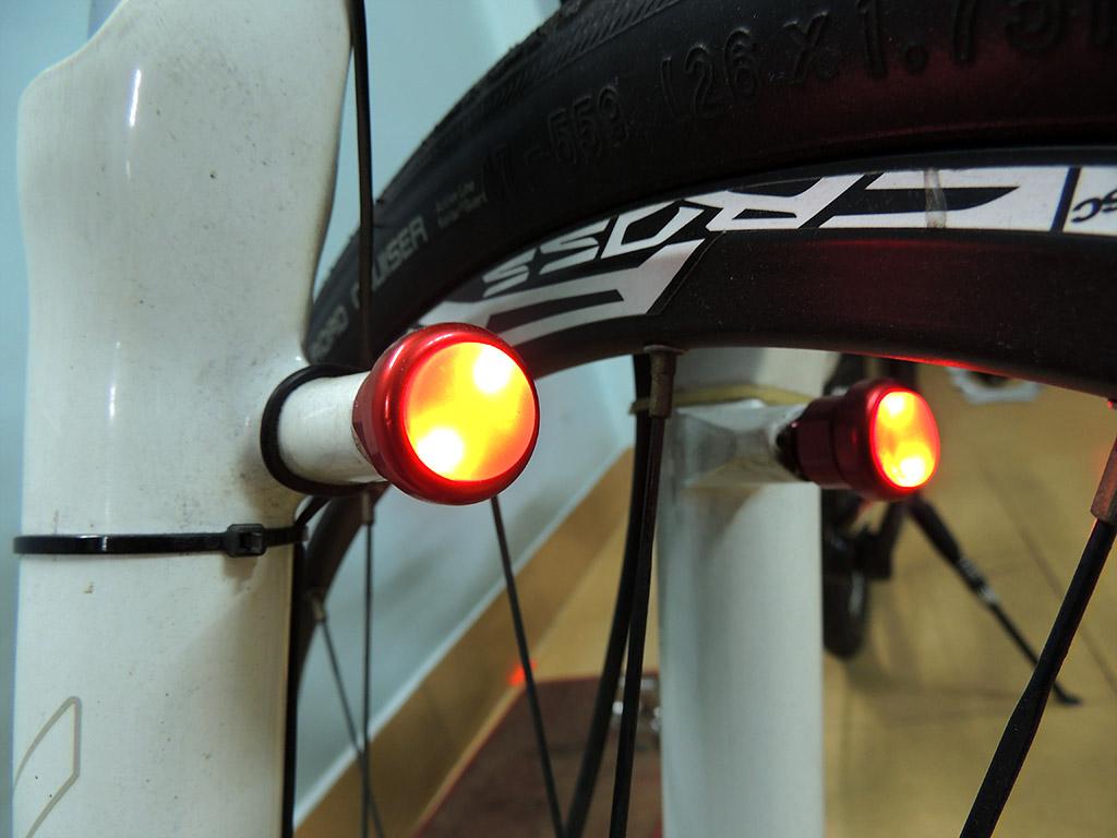 Đèn báo tín hiệu rẽ Signal xe đạp